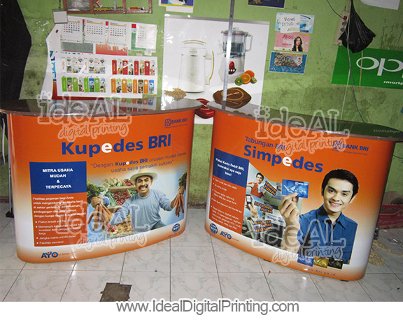 Meja Pop up counter dan Backwall BRI SIMPEDES Ambon