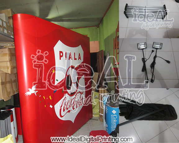 Backwall dan Meja Pop up counter coca cola