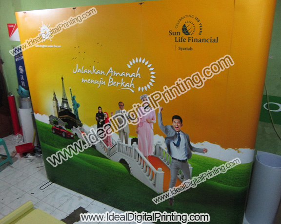 Backwall dan meja pop up counter SUN LIFE FINANCIAL