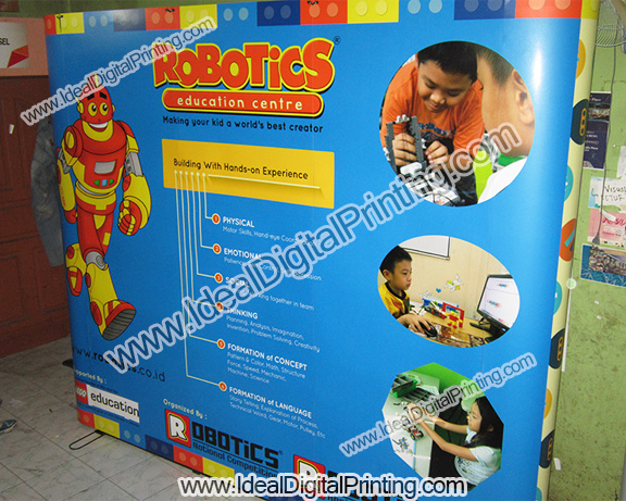 Backwall dan meja pop up Robotic Indonesia