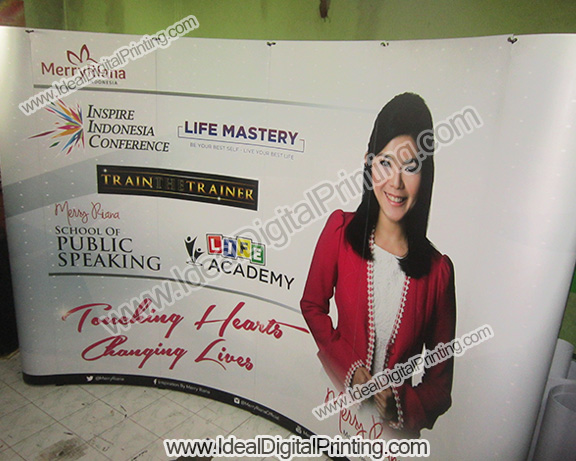 Backdrop Portable Merry Riana