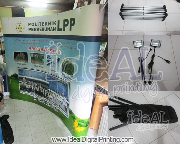 Backwall dan meja pop up Politeknik LPP