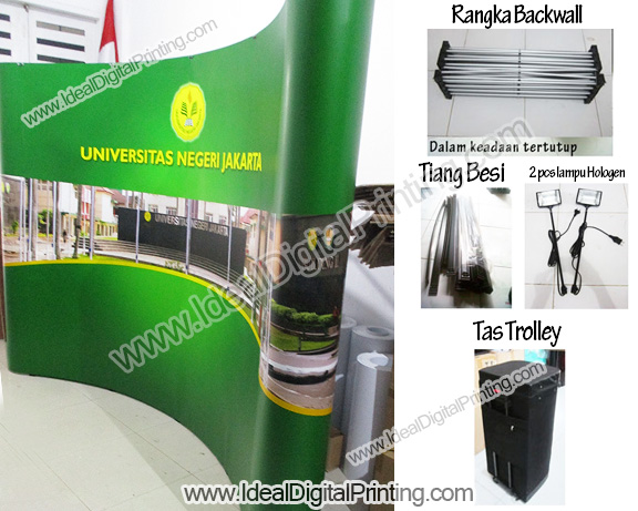 Backdrop dan meja pameran Universitas Expo
