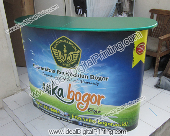 Hasil backwall 3x3 curve dan meja pop up counter