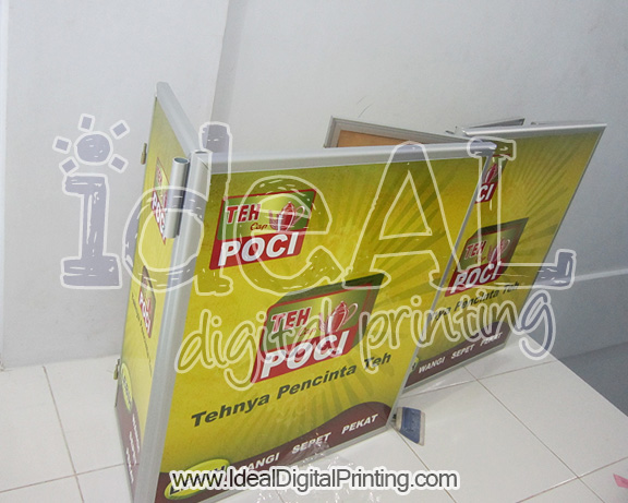 Event Desk Berpintu